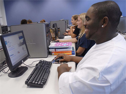 Students participating in an online training session overview at Piedmont Technical College. All new students are encouraged to attend one of the training sessions.