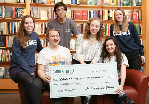 Members of the Columbia University campus chapter of Habitat for Humanity received $5,000 from Barnes & Noble College to fund their Spring Break Collegiate Challenge trip to New Orleans. Columbia University and the University of Louisville were the grand prize winners of the #BNCInstaBuild Video Challenge.