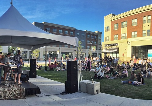 Wednesday Music Lunch and Friday Night Concerts, free musical events, are held at College Town during the warmer weather months.