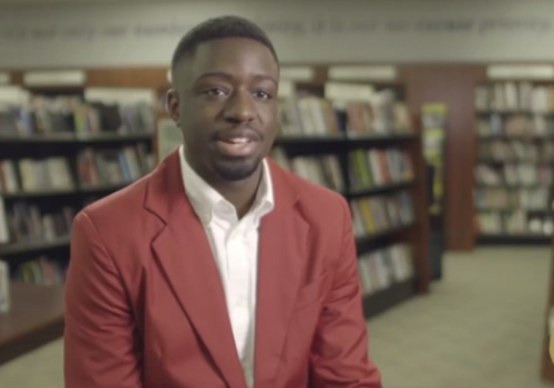 Jamal Hicklen, a senior studying Corporate Communications at the University of Houston, is enrolled in the bestseller Program, a management development track for Barnes & Noble College employees recognized for their high potential.