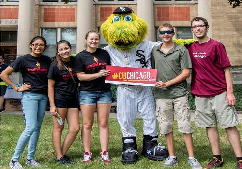 In River Forest, Illinois at Concordia University, new students showed their Cougar pride.